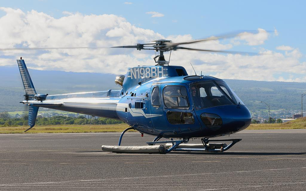 as350 helicopter with Slideshow on 03 aug2017 Flying The Border 180963939 in addition Fsx Eurocopter As350 Ecureuil furthermore Contacts in addition Wysong  pletes Hospital Wings First Eurocopter Ec130 as well San Diego Police Air Support Unit.